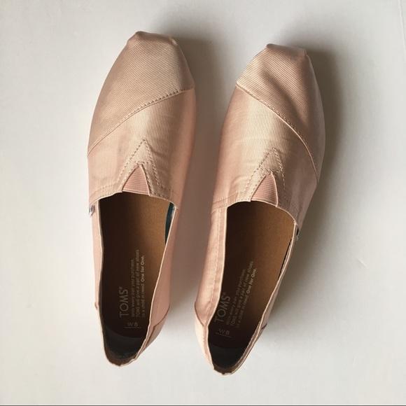 b7a2bc4fe4c6 TOMS Petal Grosgrain Women s Classics. M 5a6590566bf5a6beceb40171. Other  Shoes ...